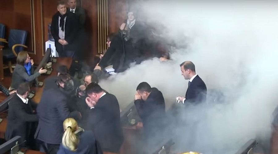 Kosovo opposition uses tear gas in parliament to protest deals with Serbia, Montenegro (VIDEO)
