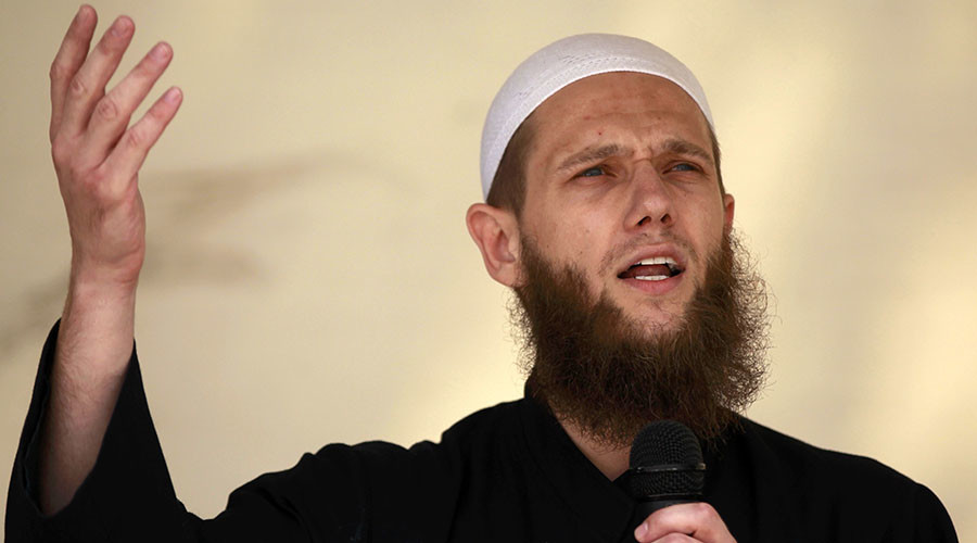 German extremist preacher arrested for supporting terror group