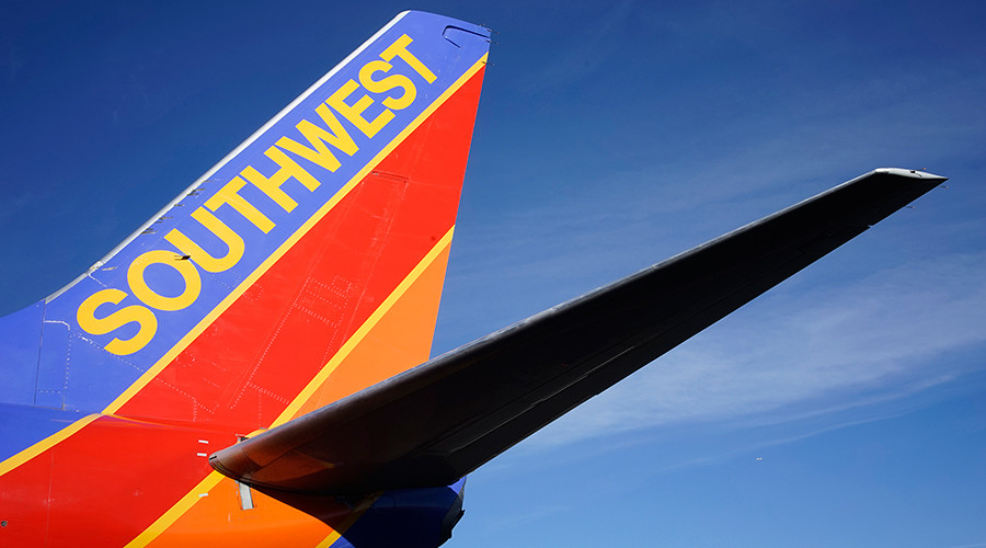 8 injured after Southwest Airlines plane crash lands in Nashville