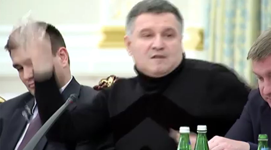 'Street-style brawl': Ukrainian minister throws glass of water at ex-Georgian president (FULL VIDEO)