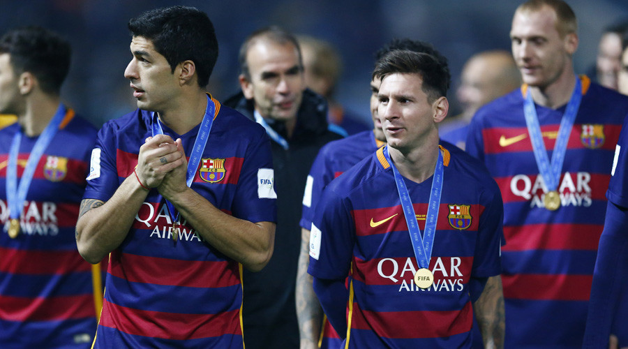 River Plate v FC Barcelona - FIFA Club World Cup Final - International Stadium Yokohama, Yokohama - 20/12/15 FC Barcelona's Lionel Messi and Luis Suarez after the game © Thomas Peter
