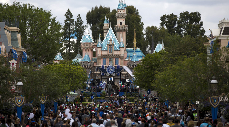 US blocks British Muslim family from flight to see American relatives, Disneyland