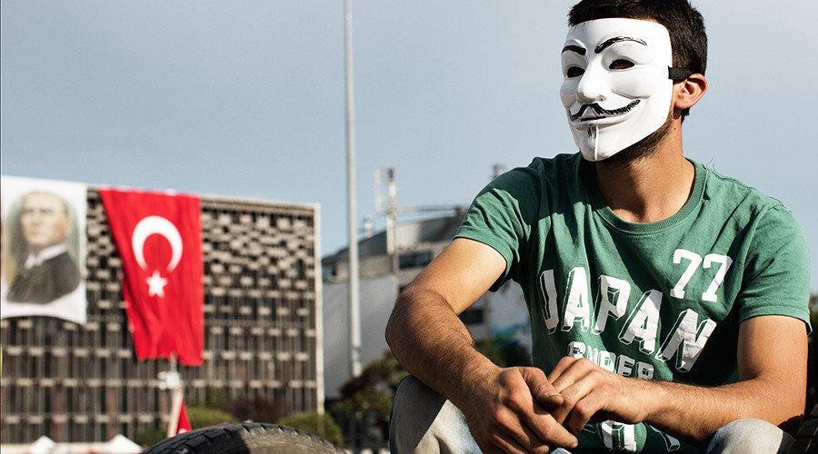 Anonymous declares cyber war on Turkey over 'supporting ISIS'