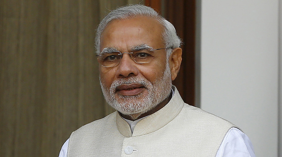 India's Modi comes to Russia - with love