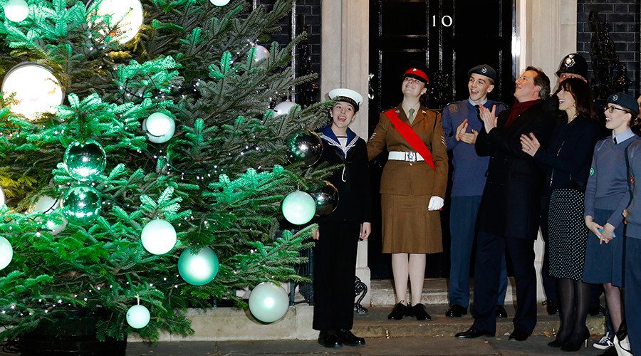 'Cameron a hypocrite for applauding NHS staff in Christmas message' – Ken Loach