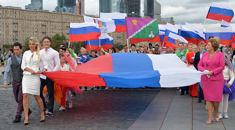 St. Pete lawmaker proposes ban on foreign flags at Russian rallies
