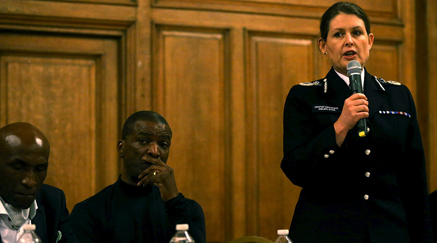 Metropolitan Police Assistant Commissioner Helen King speaks at a public meeting with regards to the shooting of Jermaine Baker by armed police at Tottenham, December 17, 2015 © Neil Hall