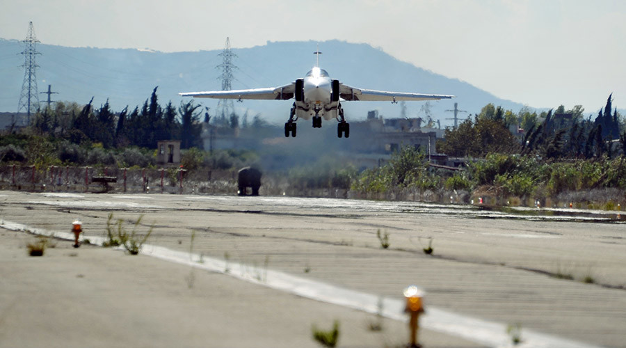 A Su-24 bomber Su-24 of the Russian Aerospace Forces lands at Hemeimeem air base in Syria. © Dmitriy Vinogradov