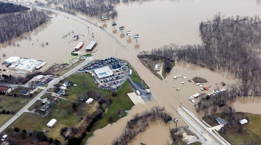 Submerged roads and houses are seen after several days of heavy rain led to flooding, in an aerial view over Union, Missouri December 29, 2015. © Kate Munsch