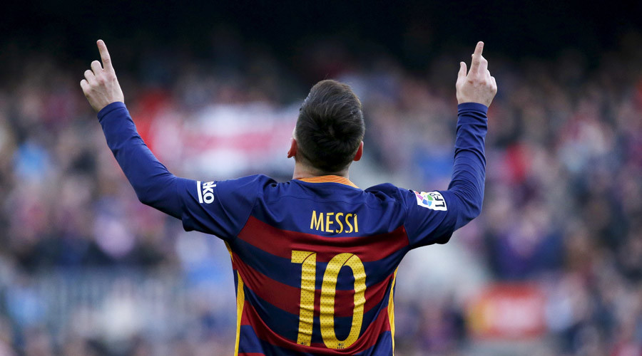 Lionel Messi plays 500th game for Barcelona, scores in 4-0 win over Betis
