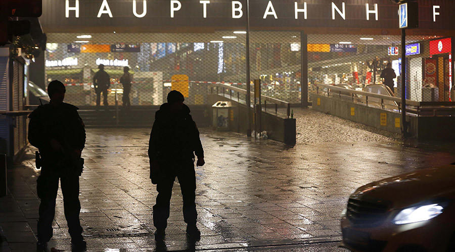 Manhunt launched for 7 'Iraqi' ISIS-linked suspects after tip about planned NYE attacks in Munich