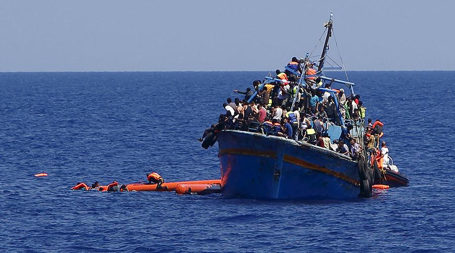 2015 deadliest year for migrants crossing Mediterranean