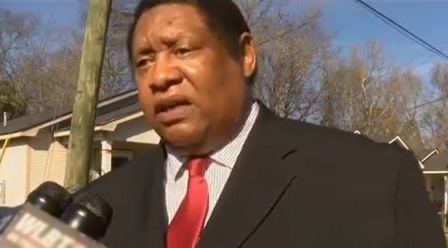 Mississippi lawmaker wants 'black leadership' to team up & throw rocks at police