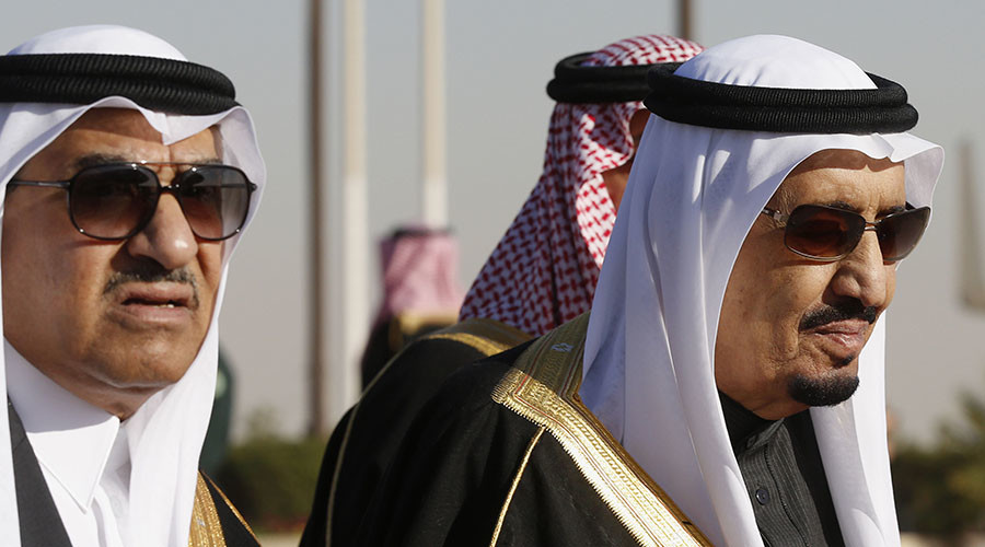Saudi Arabia's Deputy Crown Prince Mohammed bin Nayef (L) and his uncle King Salman (R). © Jim Bourg