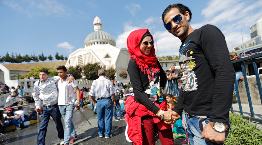 No hand holding for engaged couples in Turkey – religious watchdog
