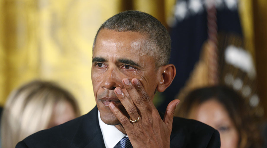 U.S. President Barack Obama wipes away tears while talking about Newtown and other mass shooting during an event held to announce new gun control measures, at the White House in Washington January 5, 2016. ©Kevin Lamarque