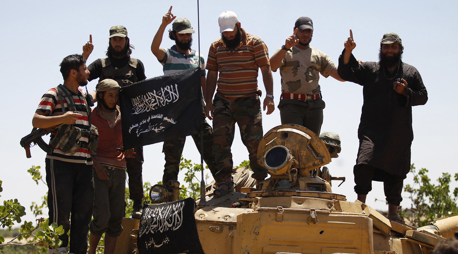 Al-Nusra Front takes 2 prominent journalists hostage in W. Syria