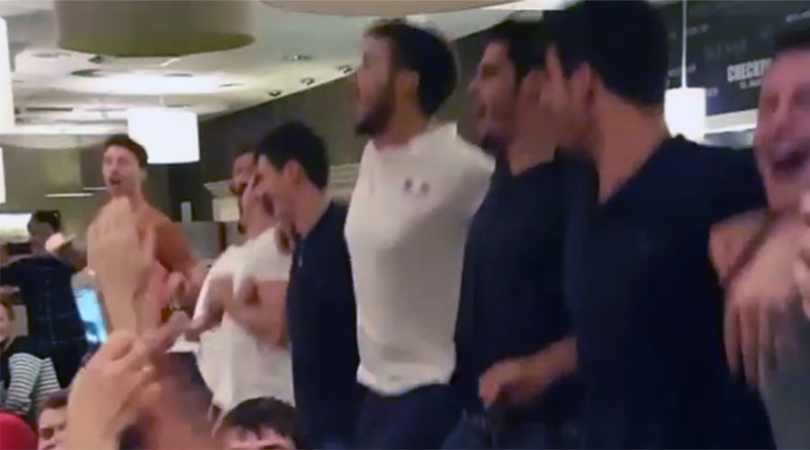 Dig, set, sing: French volleyballers perform Kalinka-Malinka after defeat by Russia (VIDEO)