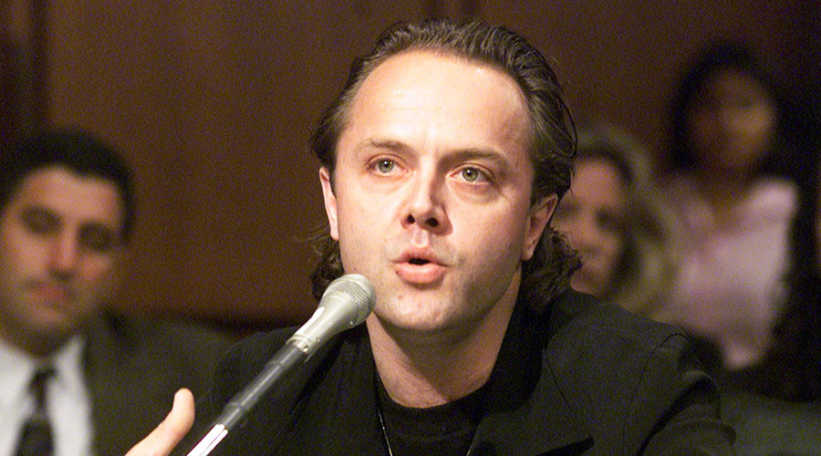 Lars Ulrich, the drummer of Metallica, testifies before a Senate Judiciary committee in Washington on the future of digital music, July 11, 2000. © Reuters