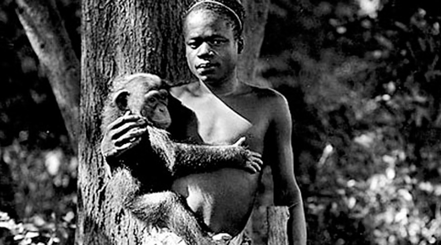 Ota Benga at Bronx Zoo © wikipedia.org