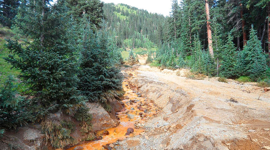Yellow mine waste water from the Gold King Mine is seen in San Juan County, Colorado, in this picture released by the Environmental Protection Agency (EPA) taken August 7, 2015 © EPA