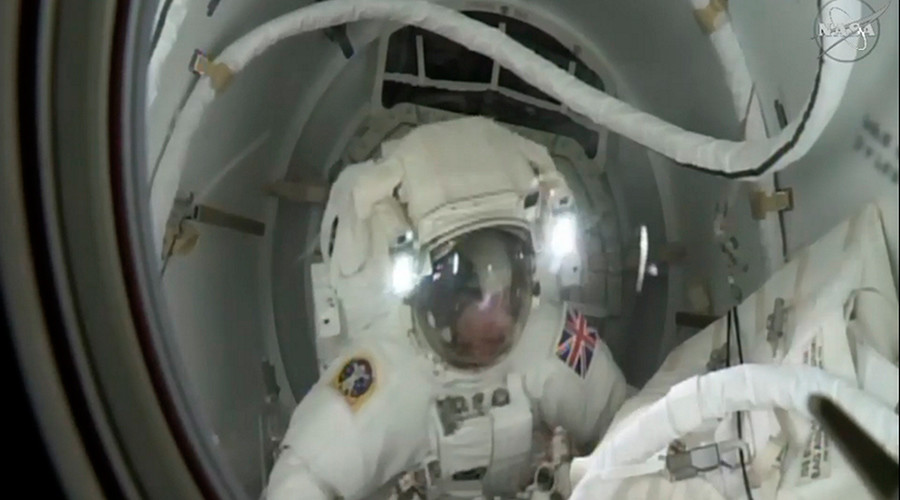 British astronaut Tim Peake leaves the International Space Station to take part in his first spacewalk January 15, 2015 © NASA