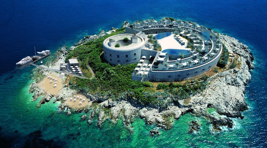 This handout picture released by the Serbian architecture studio Salt and Water on January 16, 2016 shows a 3D model of luxury resort to be constructed on the Montenegrin island of Mamula. © AFP photo / Salt and Water