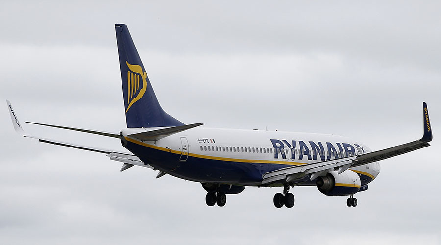 'We don't want to die': Ryanair crewmember's epic fail shocks passengers, goes viral