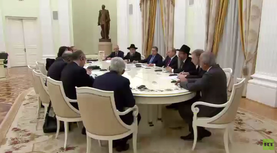 President of Austrian Jewish Community Ariel Muzicant and President of European Jewish Congress Viatcheslav Kantor during President Vladimir Putin's meeting with representatives of the European Jewish Congress in the Kremlin, January 19, 2016. © RT