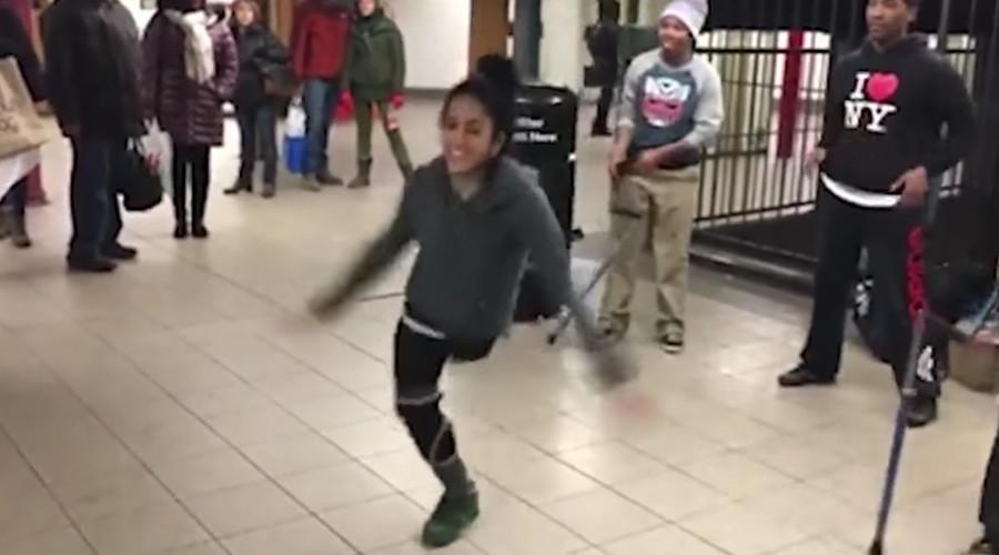 Roya Abdolhosini showed off her skills in a New York City subway station. © British Mania