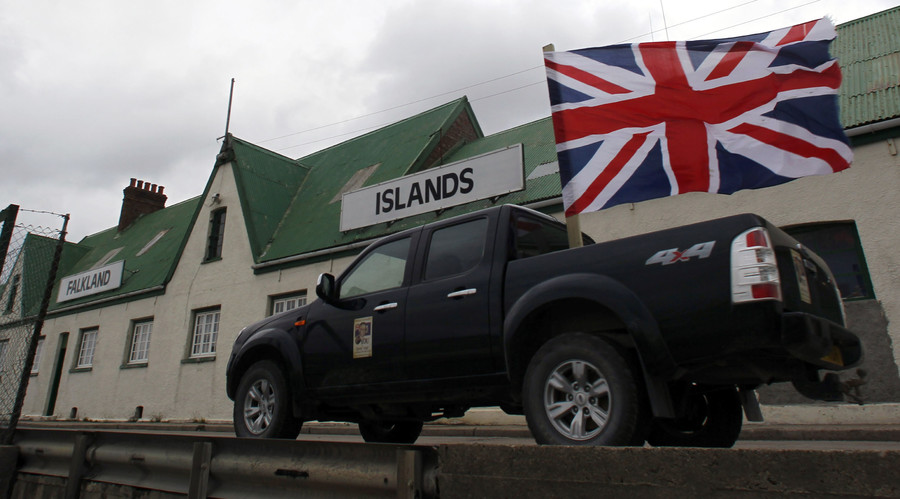 'Falklands will stay British,' David Cameron tells Argentine president