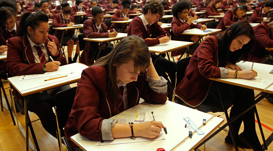 312 English schools failed to meet govt GCSE threshold in 2015