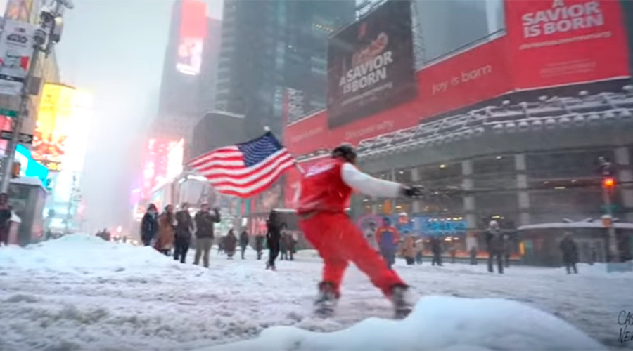 YouTuber snowboards through NYC despite police order, the result is magic (VIDEO)