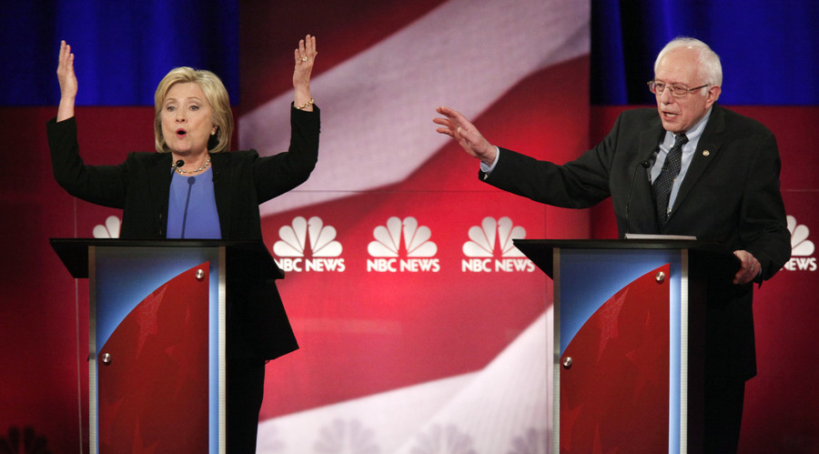 Democratic U.S. presidential candidate and former Secretary of State Hillary Clinton (L) and rival candidate U.S. Senator Bernie Sanders (R). © Randall Hill