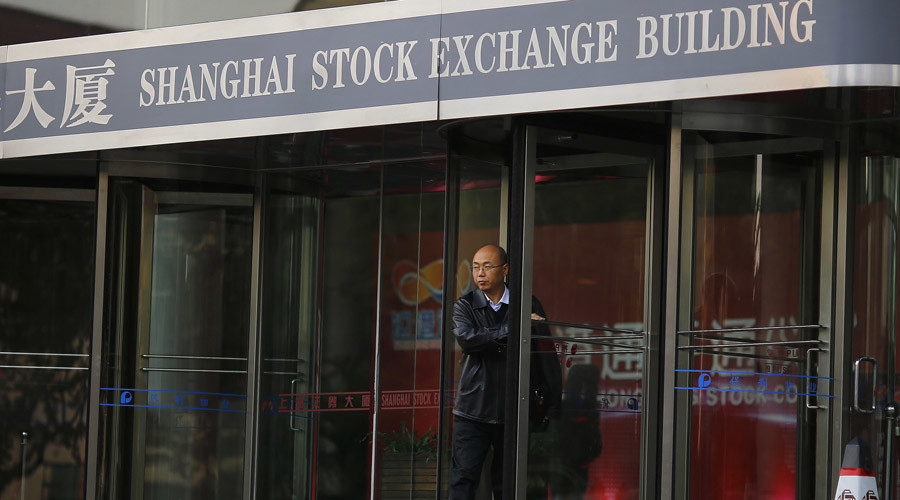 Chinese stocks tumble over capital outflow concerns