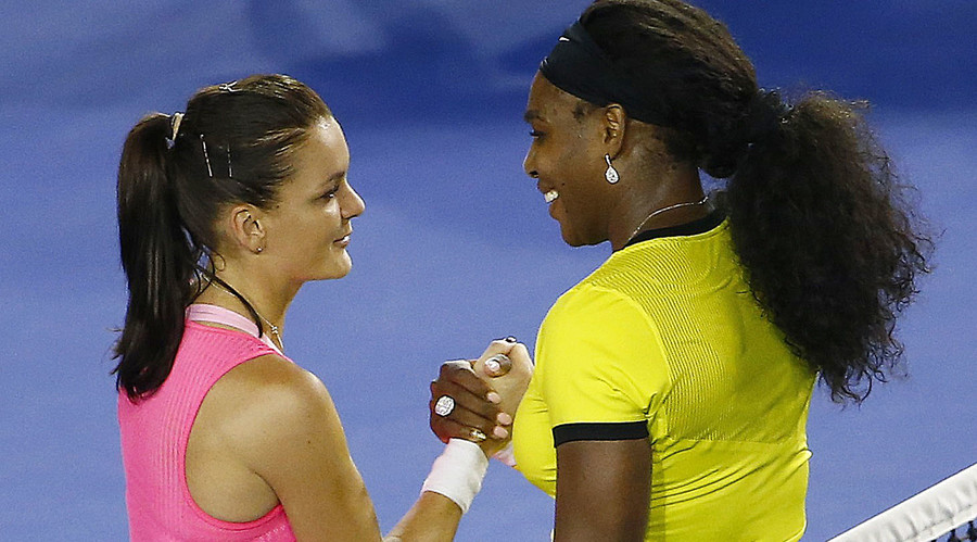 Serena Williams of the U.S. (R) and Poland's Agnieszka Radwanska © Jason O'Brien