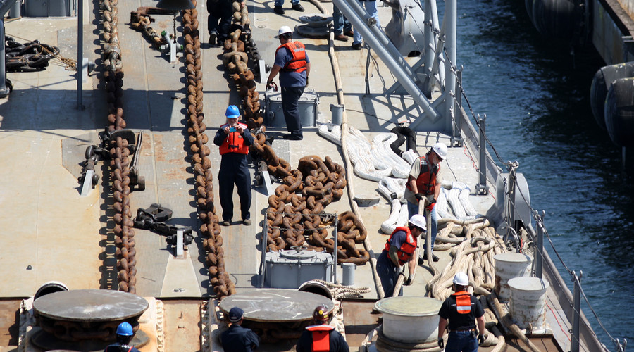 Ports in NY, NJ grind to a halt after longshoremen strike