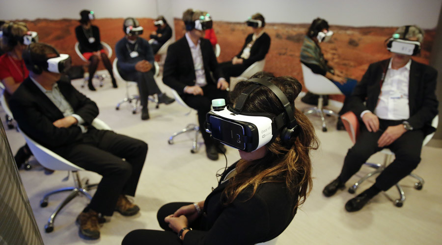 Apple 'secretly working' on virtual reality device