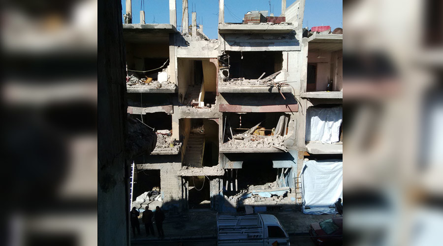Homes opposite the terrorist car bombing blast in al-Zahra'a, Homs © Eva Bartlett