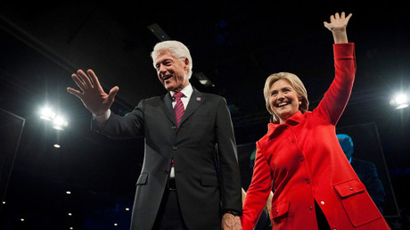 Former US President Bill Clinton (L) and Democratic presidential candidate Hillary Clinton. © Mark Kauzlarich