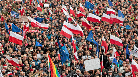 Anti-government protest in Poznan, Poland © Piotr Skornicki