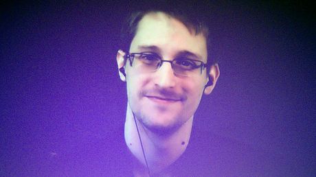Former U.S. National Security Agency contractor Edward Snowden © Charles Platiau