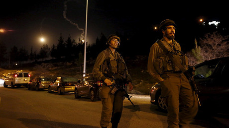 Israeli soldiers guard near the Jewish settlement of Otniel in the West Bank © Ronen Zvulun