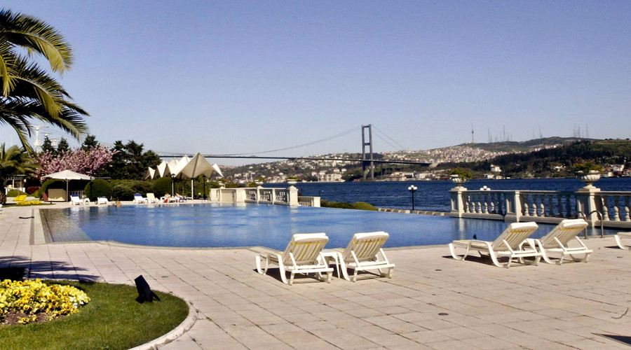 Ciragan Kempinsky hotel, Istanbul. © Mustafa Ozer