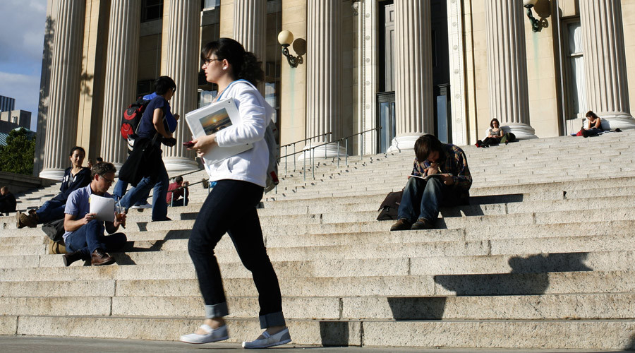 Young Americans know next to nothing about their student loans