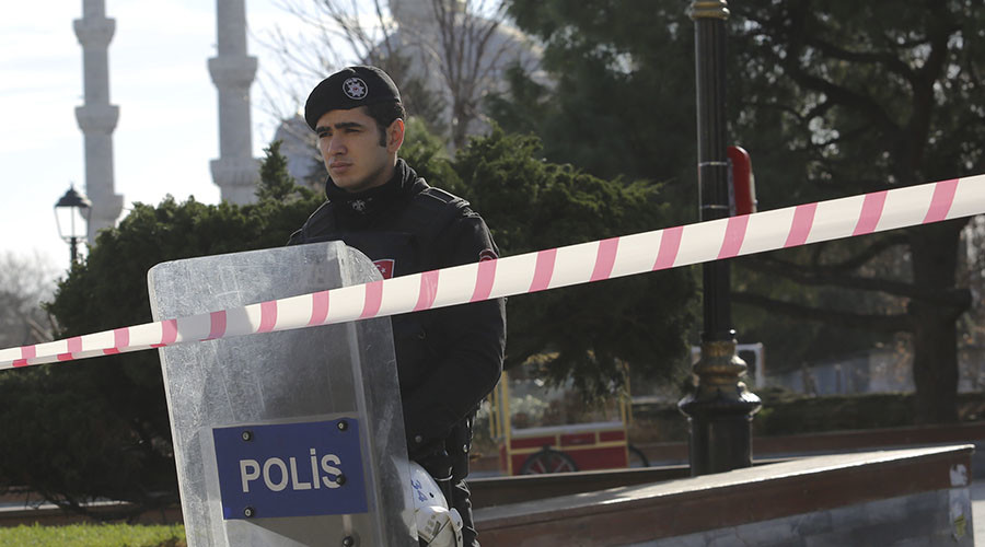 2 injured in powerful explosion in Istanbul, police at scene - reports