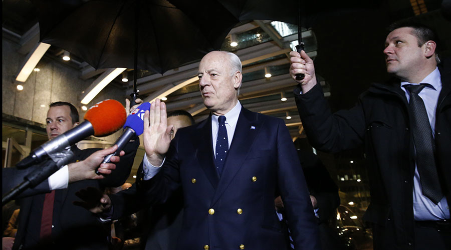 U.N. mediator for Syria Staffan de Mistura leaves after a news conference on the Syrian peace talks outside President Wilson hotel in Geneva, Switzerland February 3, 2016. © Denis Balibouse