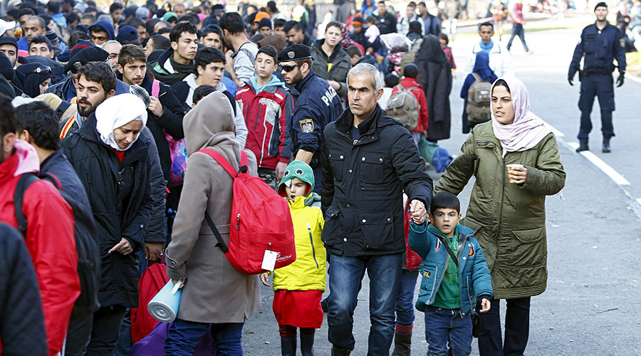 Syrian refugees at the Austrian-German borde © Michaela Rehle / Reuters