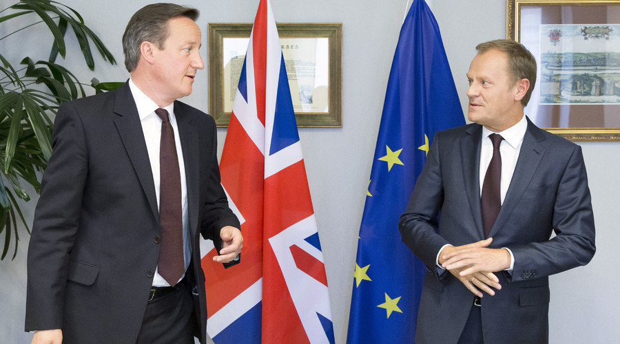 British Prime Minister David Cameron (L) is seen during a meeting with European Council President Donald Tusk in Brussels, Belgium, in this June 25, 2015. © Julien Warnand