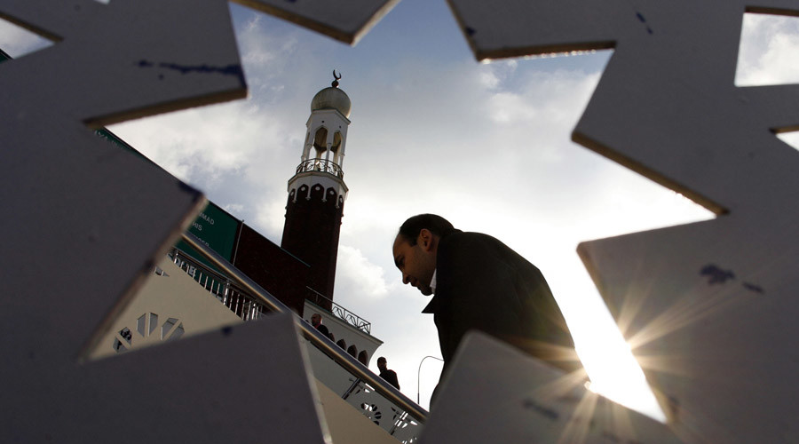 A man at the central Mosque in Birmingham, central England © Darren Staples / Reuters